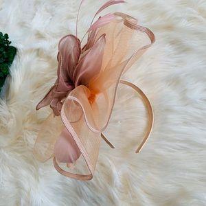 Nwot blush pink fascinator hat